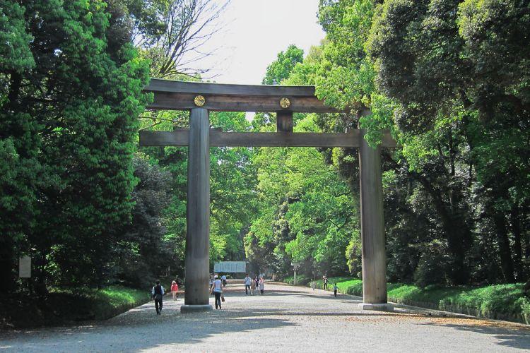 Meiji-Jingu-Shrine-03